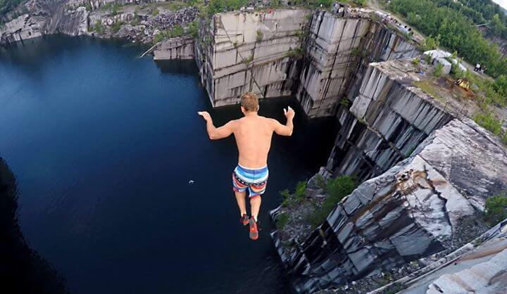 do-the-equivalent-of-jumping-off-an-eight-story-building-cliff-diving-top coolest extreme sports for men