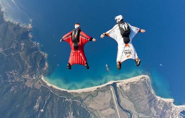 you-can-fly-with-this-high-awesome-factor-sport-vingsyut-flying-top coolest extreme sports for men
