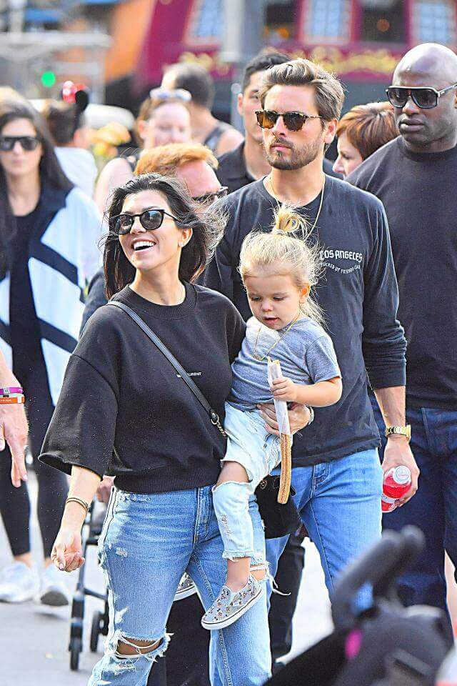 Kourtney-and-Scott-Disick-the kardashian family