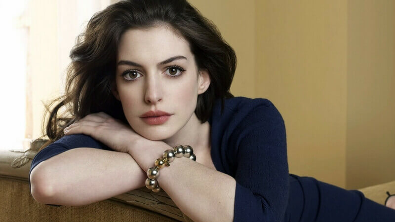 Anne-Hathaway-famous actresses